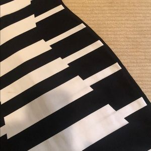 Herve Leger Dresses - herve leger fitted black and white dress. size xxs